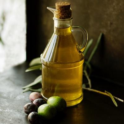 Rezeptidee für Olivenölflasche