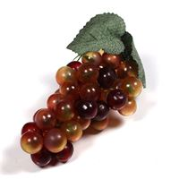 Grappe de raisins roses en plastique