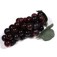 Grappe de raisins rouges en plastique